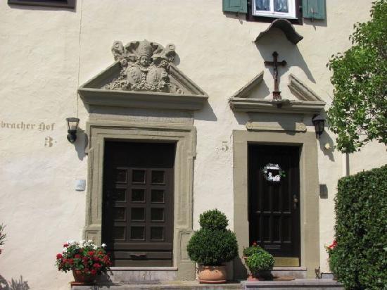 Ebracher Hof: 3