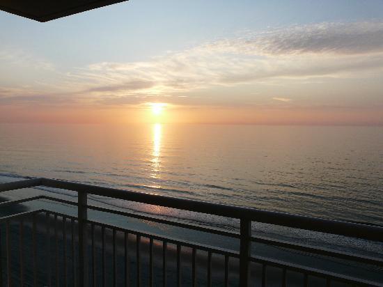 Seaside: sun up