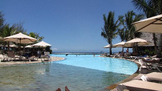 Kole Kole - Baobab Resort Diani: widok na świetny basen