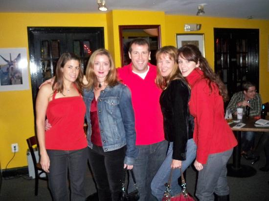 Tommy Joe's Restaurant : Hanging with friends