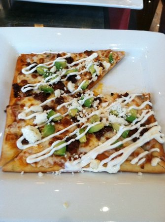 Tastings A Wine Experience: chorizo and avocado flatbread pizza