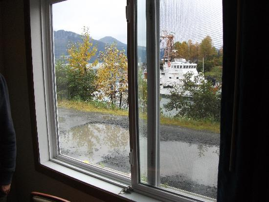BEST WESTERN Valdez Harbor Inn: view from room