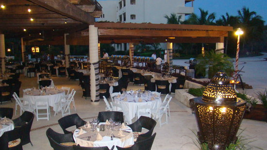 Secrets Maroma Beach Riviera Cancun: getting set up for BBQ night at the World Cafe