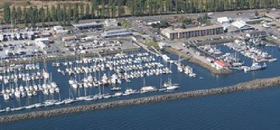 Harborside Inn: View from the sky of Harborside's surrounds