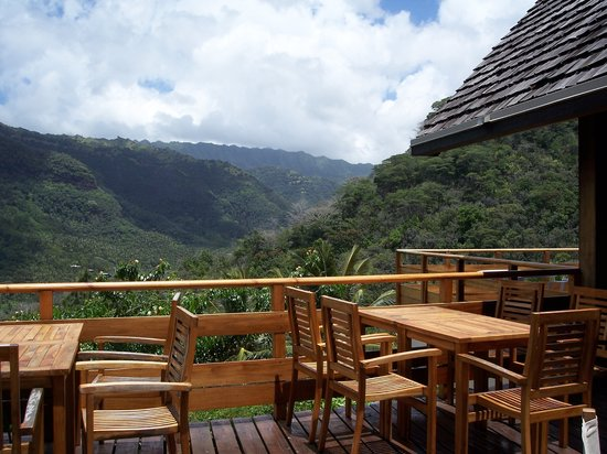 Hanakee Hiva Oa Pearl Lodge: Majestic mountain view from hotel deck