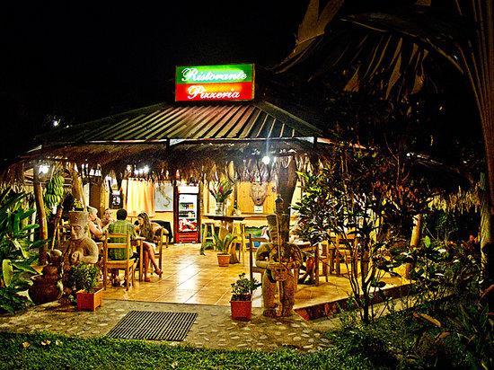 Hotel Caribbean Coconut: PIzzeria e ristorante italiano