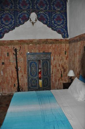 Riad Tayba: upper floor bedroom