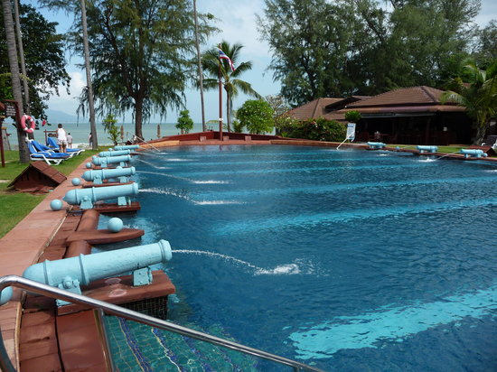 Imperial Boat House Beach Resort, Koh Samui : The boat pool