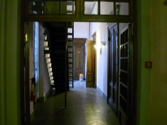 Hotel Garden: the corridor of the first floor