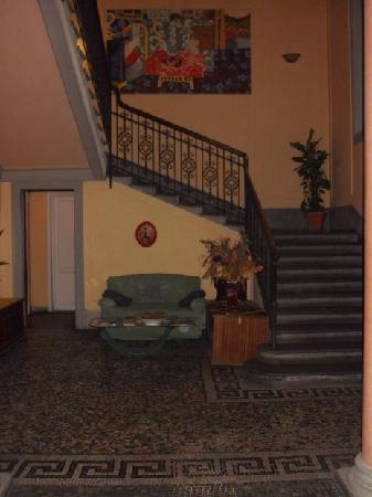 Hotel Garden: the stairs to the first floor (no elevator)
