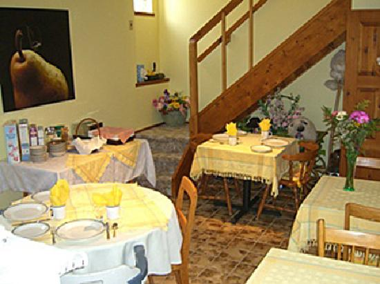 La Bergerie B&B: The breakfast nook