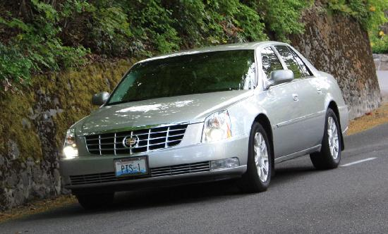 Platinum TownCar Service and Private Tours: 2008 Cadillac DTS