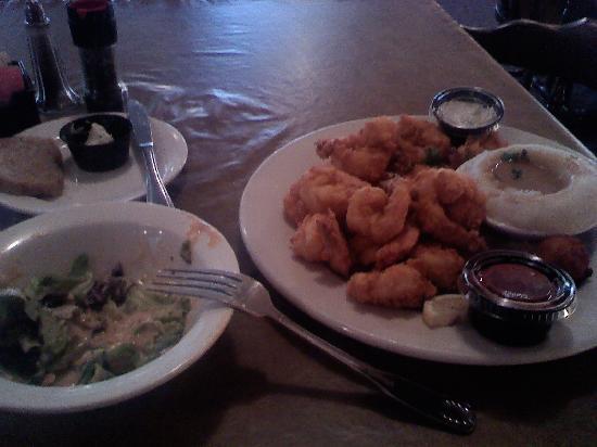 Lang's Marina Restaurant: Shrimp plate!