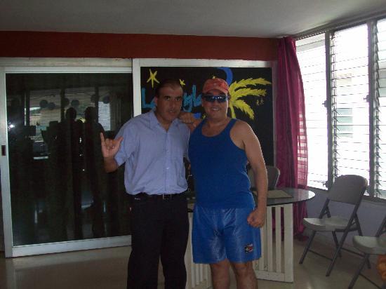 La Jungla Hostal: junto a un nuevo amigo, Luis de Venezuela