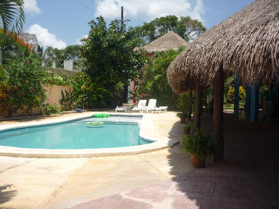 Village Tan Kah : pool and breakfast area