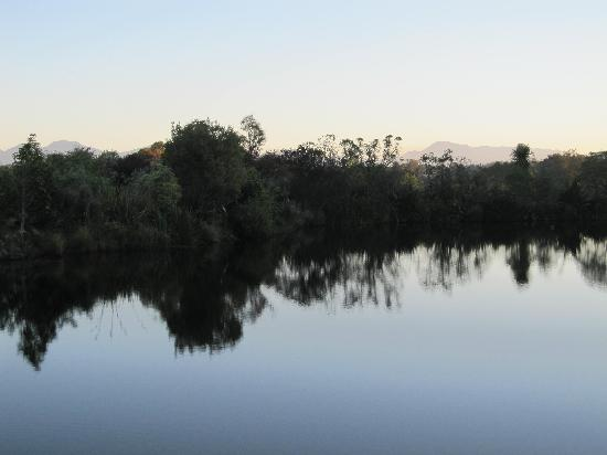 Aporo Pondsiders: evening over the lake