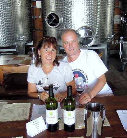 Shinn Estate Vineyards: Happy Tasters! - Shinn Estate