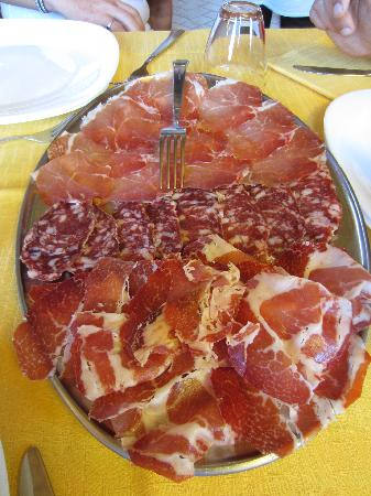 Emilia Delizia Food Tours : This is how to end a Prosciutto tour