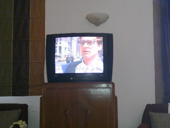 Umaid Bhawan Palace Jodhpur : The old CRT TV