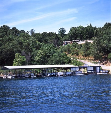 Blue Lady Resort and Sunset Grill: Panoramic Views of Lake Norfork