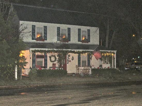 Corner Cottage B&B: Lovely during the holidays!