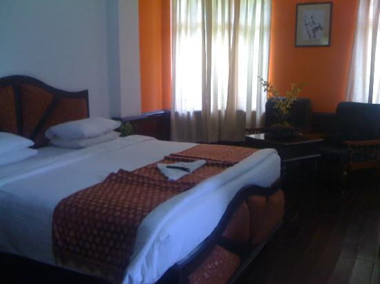 Hillview Munnar: BEDROOM