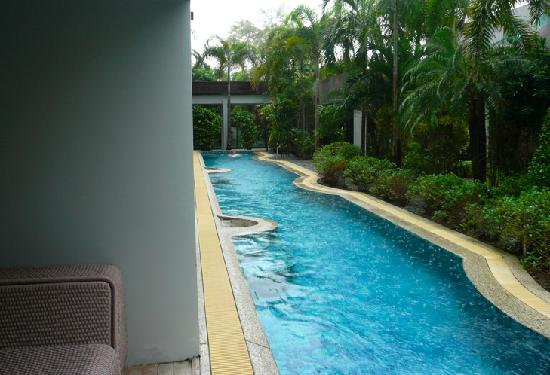 B-Lay Tong Phuket: Pool access room pool