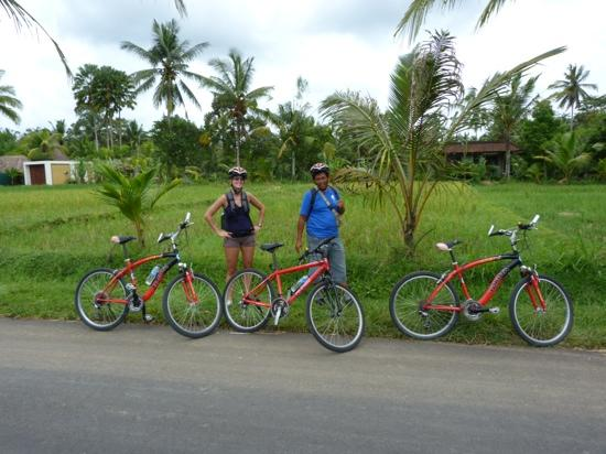 Bali On Bike: fanny and the guide