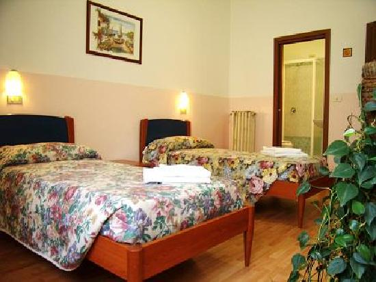 Cityhotel Central Station : twin room