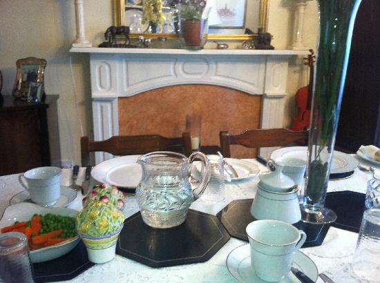 Kinfield B&B: The breakfast room.