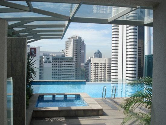 Fraser Place Kuala Lumpur: Pool day