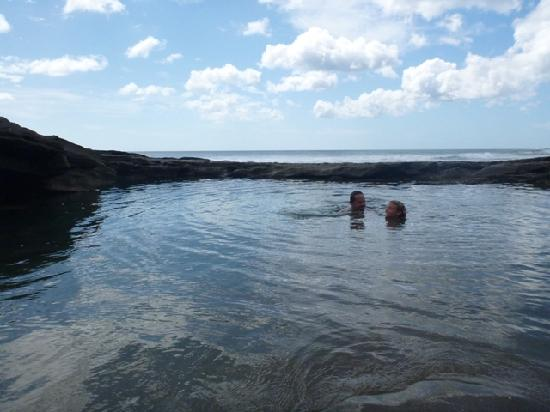 Popoyo Beach Lodge: Tony and Elena swimming in tidal pool 20 minute walk down the beach