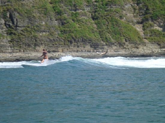 Popoyo Beach Lodge: Emilia cutback at fun break a short boatride away