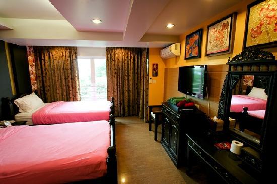Sabai Sabai at Sukhumvit Hotel: Deluxe Twin