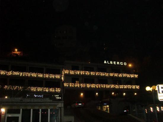 Albermonaco : Hotel di sera