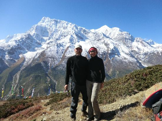Alpine Adventure Club Treks & Expedition - Mountain Flight in Nepal : On the way to Icelake