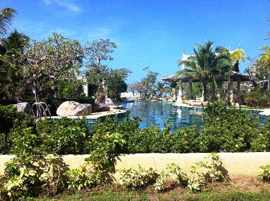 Andaman Princess Resort & Spa: The pool