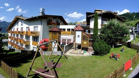 Hotel Rudolfshof: Aussen Sommer