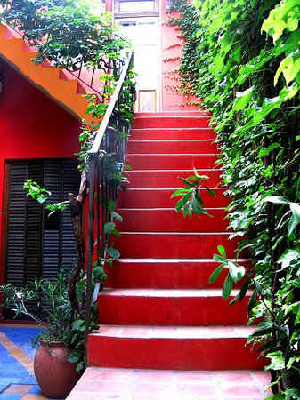 Rugantino Hotel Boutique: escalera frente