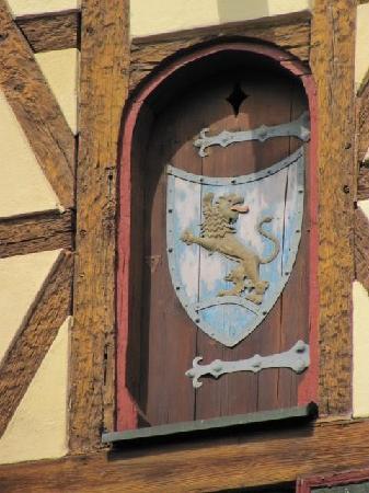 Goldene Löwe: coat of arms