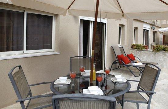Ramon Suites Hotel: Family Garden Suite