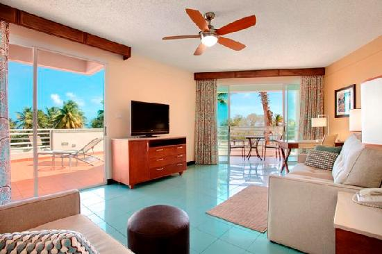 Hilton Ponce Golf & Casino Resort: King Terrace Suite Living Area
