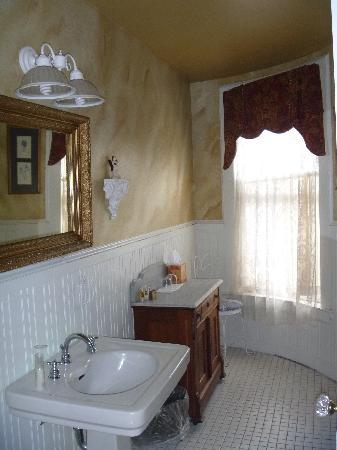 Union Gables Mansion Inn : Annie Room - Bathroom