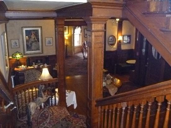 Union Gables Inn: Foyer from 2nd Floor Landing
