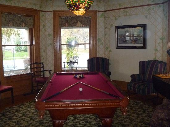 Union Gables Mansion Inn: Billiard Room