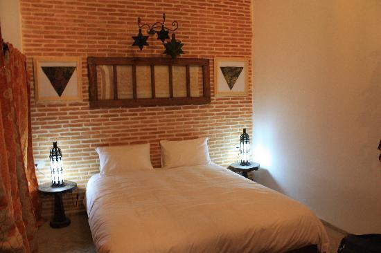 Riad Tara Hotel & Spa: Chambre ambre