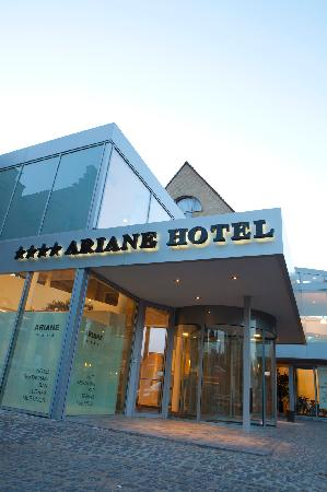 Ariane hotel: Entrance