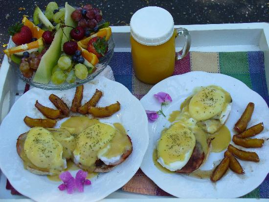 Piety Hill Cottages Motel and B&B Inn: Breakfast for 2