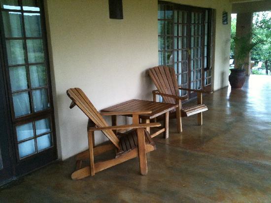 Abangane Guest Lodge: veranda