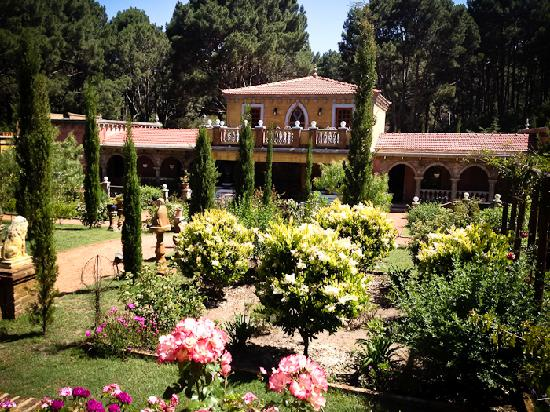 Villa Toscana Boutique Hotel: the gardens